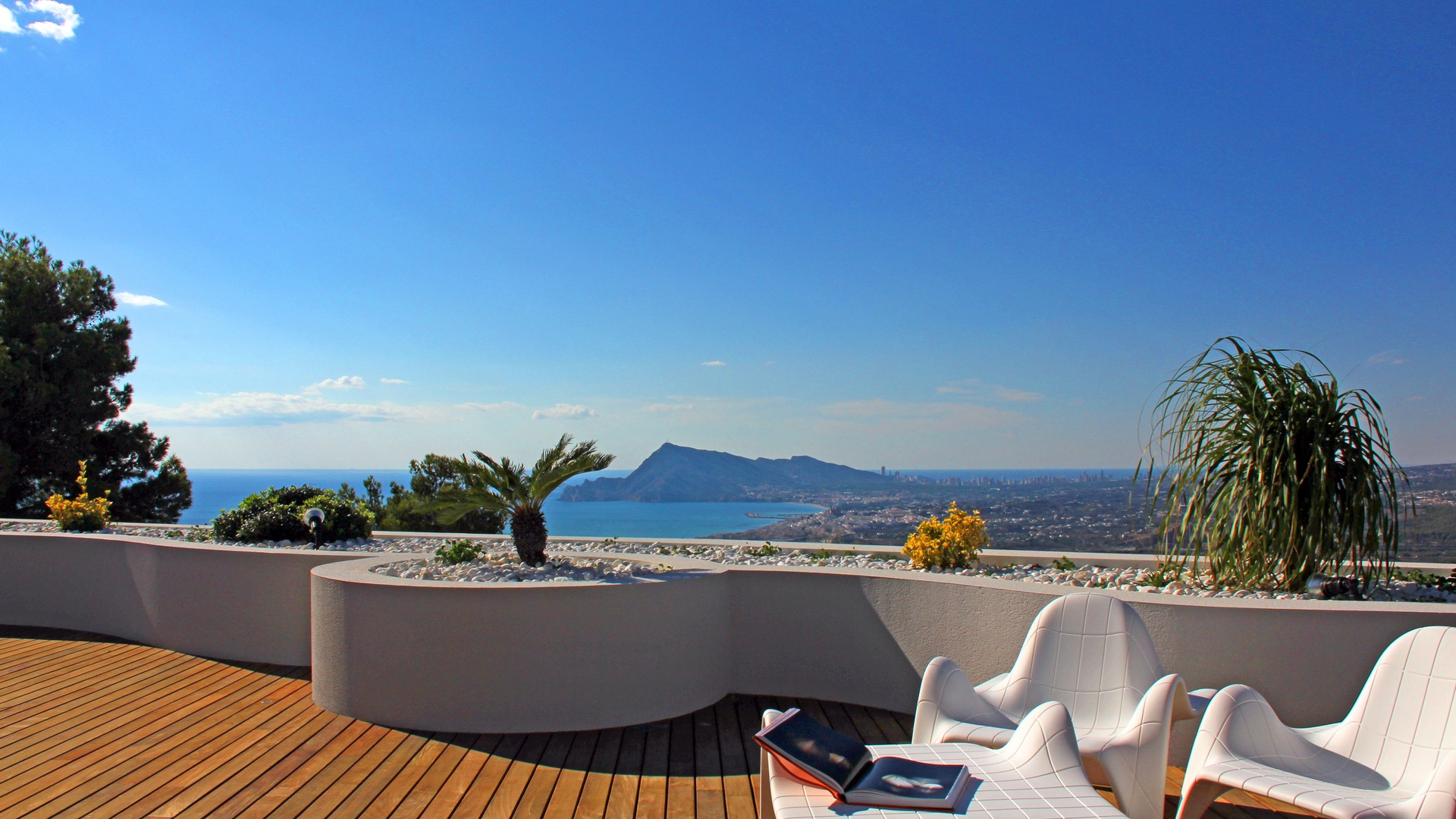 Luxury apartments with panoramic Seaview