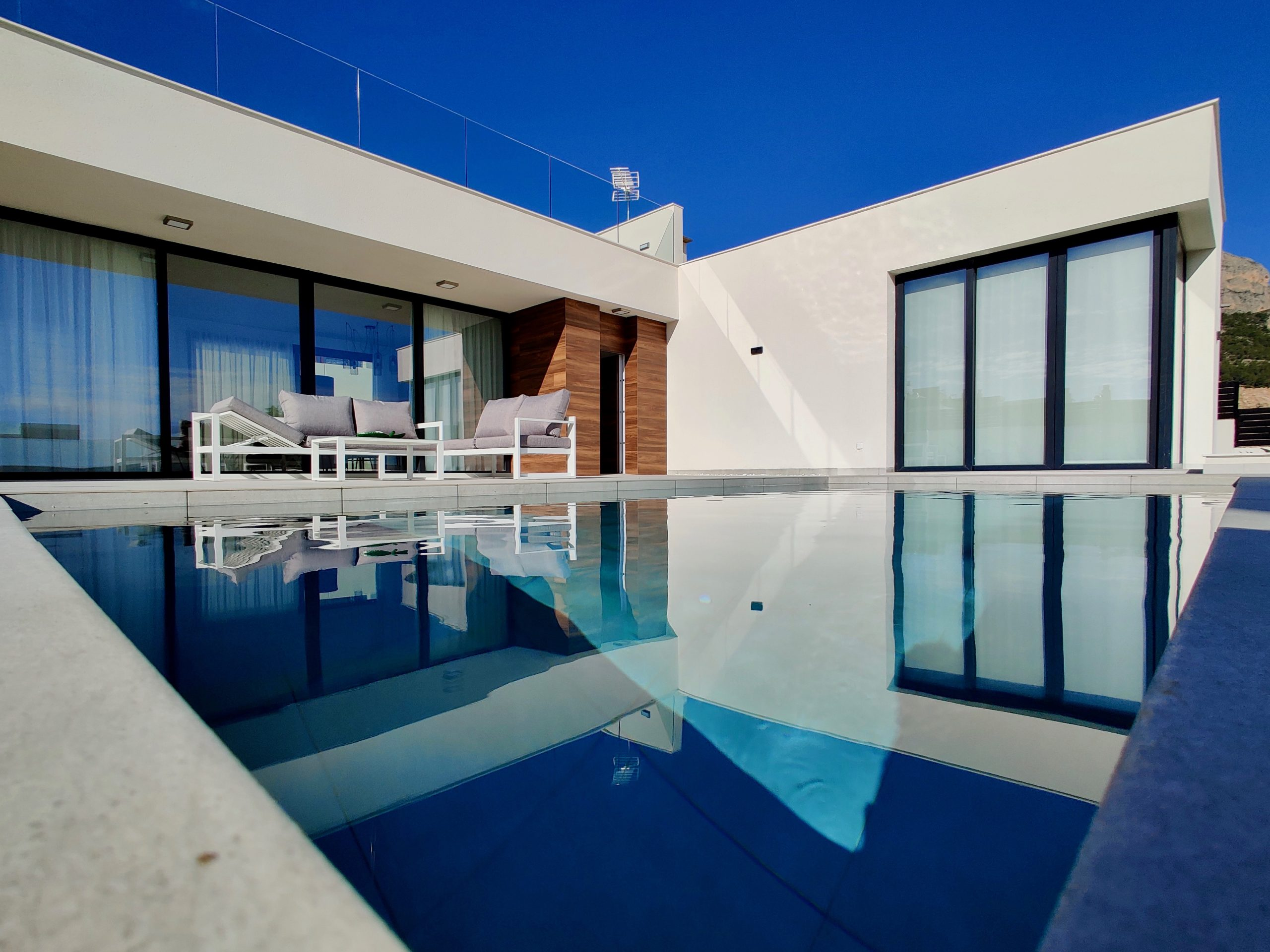 All on one level villa in Polop