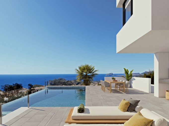 Villa with panoramic sea views