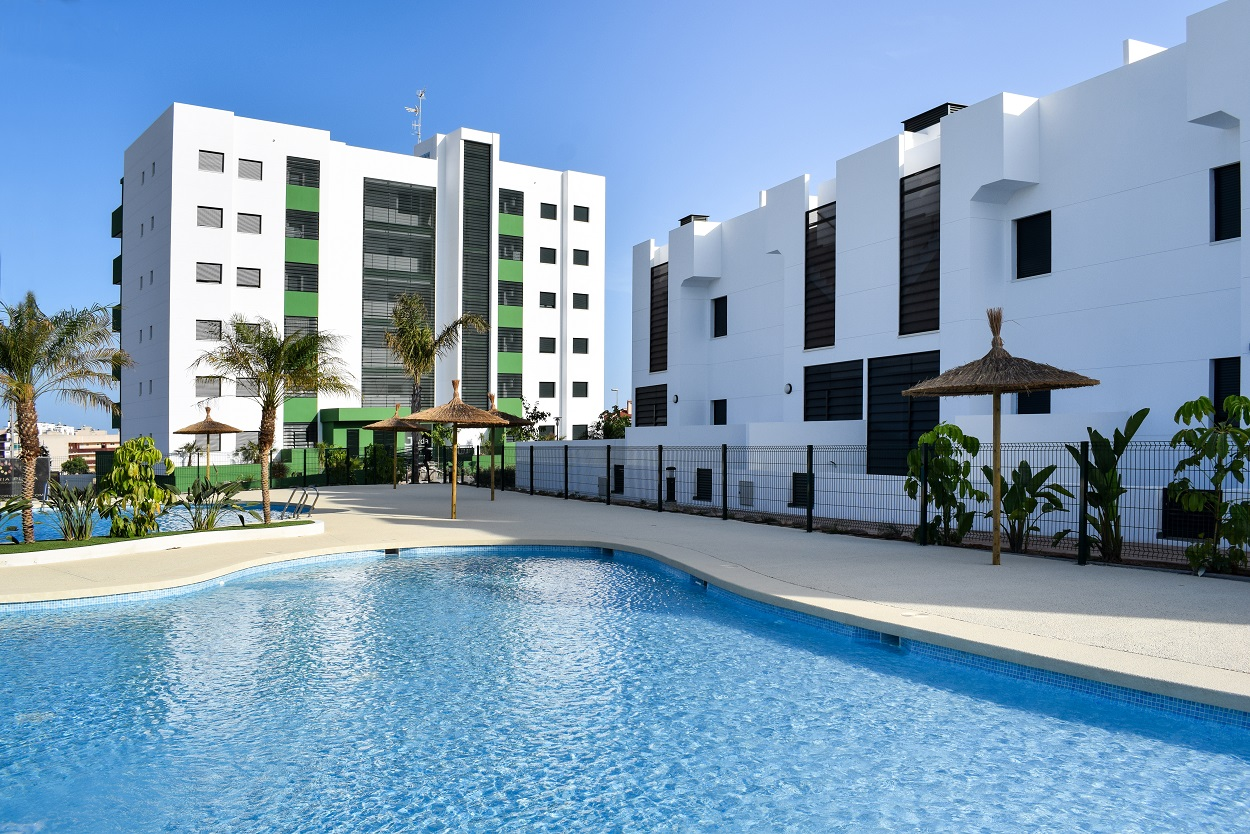 Apartments at walking distance (400m) from the beach