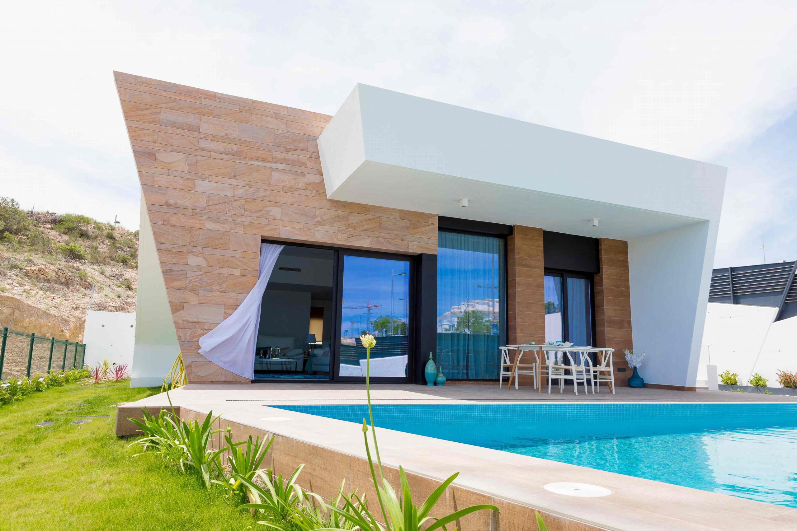 Large modern villas with beautiful views in Finestrat