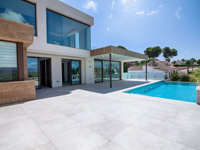 Modern villa at walking distance from Moraira