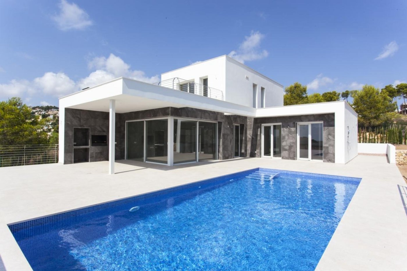 New project with sea views in Moraira