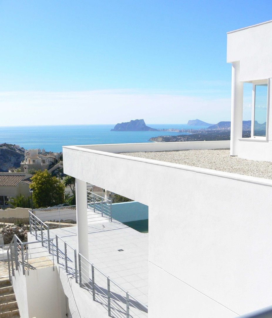 New modern-style houses in Cumbre del Sol