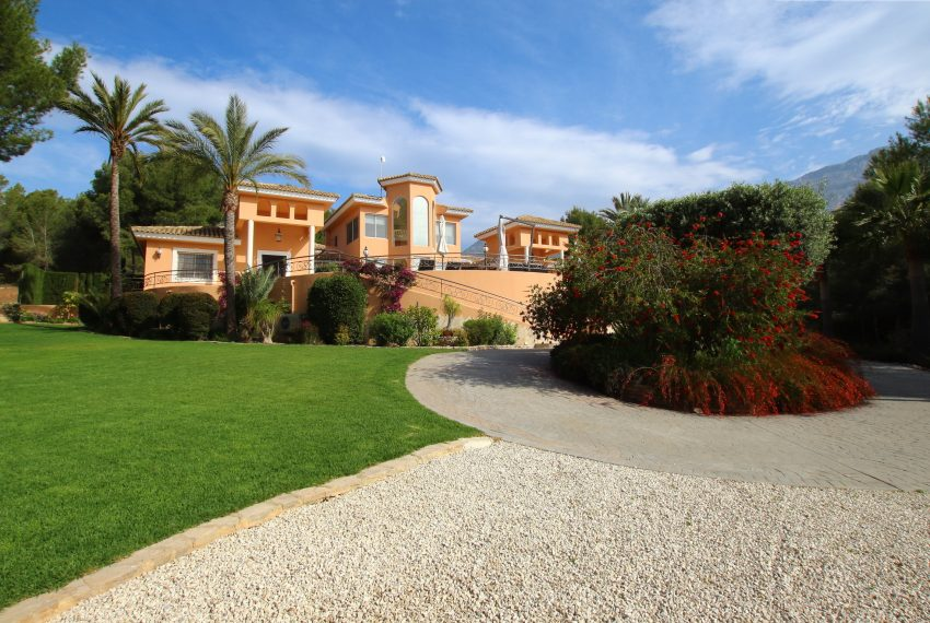 Breathtaking villa in Altea La Vella